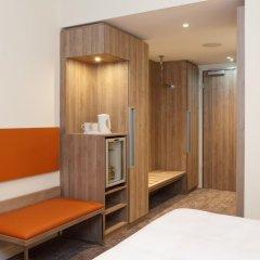 Отель Novotel Nuernberg Centre Ville сейф в номере
