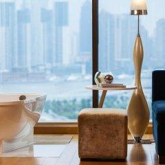 Renaissance Shanghai Yu Garden Hotel 4* Люкс с различными типами кроватей фото 3