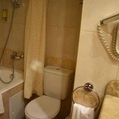 Гостиница Милан 4* Стандартный номер с 2 отдельными кроватями фото 9