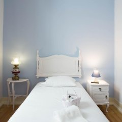 Отель Typical Lisbon Guest House Стандартный номер с различными типами кроватей фото 4