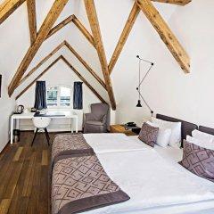 Отель Golden Crown 4* Улучшенный номер с двуспальной кроватью фото 7