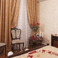 Мини-Отель Алекс на Марата Люкс с различными типами кроватей фото 4