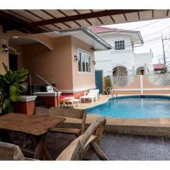 Отель I-Rin Poolvilla бассейн