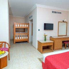 Отель Hawaii Riviera Aqua Park Resort 5* Стандартный семейный номер с различными типами кроватей фото 2