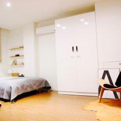 Отель YE'4 Guesthouse 2* Стандартный семейный номер с двуспальной кроватью (общая ванная комната) фото 5