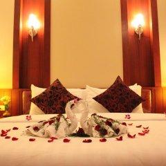 Отель Patong Hemingways 3* Улучшенный номер двуспальная кровать фото 8