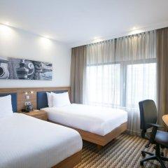 Отель Hampton by Hilton Amsterdam Airport Schiphol 3* Стандартный номер с 2 отдельными кроватями фото 4