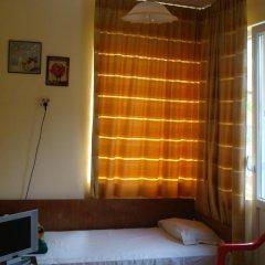 Отель East Gate Guest Rooms Стандартный номер с различными типами кроватей фото 8