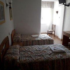 Отель Hostal Pineda комната для гостей фото 3