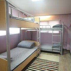 Отель Soo Guesthouse 2* Стандартный семейный номер с двуспальной кроватью фото 2