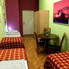 Budapest Budget Hostel Стандартный номер с различными типами кроватей (общая ванная комната) фото 23