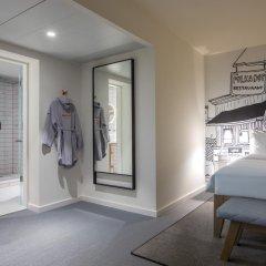 Отель Radisson RED Brussels 4* Стандартный номер с различными типами кроватей фото 10