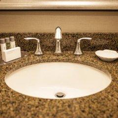 Отель LaGuardia Plaza Hotel США, Нью-Йорк - отзывы, цены и фото номеров - забронировать отель LaGuardia Plaza Hotel онлайн ванная фото 2