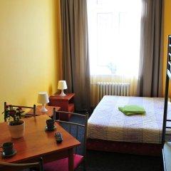 Hostel Alia Стандартный номер с двуспальной кроватью (общая ванная комната) фото 6