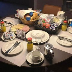 EMA House Hotel Suites питание
