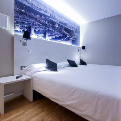 Отель Hostal Bcn Ramblas Стандартный номер с 2 отдельными кроватями фото 10