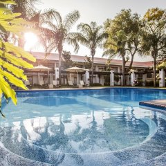 AVANI Gaborone Hotel & Casino Габороне бассейн фото 2