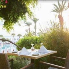 Coral Beach Hotel and Resort 5* Стандартный номер с различными типами кроватей фото 6