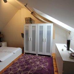 Апартаменты Italska Apartment комната для гостей фото 5