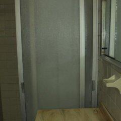 The Roof Backpackers Hostel Кровать в общем номере с двухъярусной кроватью фото 4