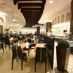 Отель The Ajman Palace питание фото 3