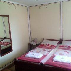 Отель Guest Rooms Dona 2* Стандартный номер с двуспальной кроватью фото 14