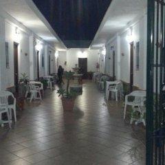 Отель Hostal El Canario Испания, Кониль-де-ла-Фронтера - отзывы, цены и фото номеров - забронировать отель Hostal El Canario онлайн интерьер отеля