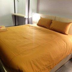 Loma Hostel at Phuket Town комната для гостей