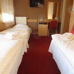 Hotel Atlantis 2* Стандартный номер с 2 отдельными кроватями фото 13