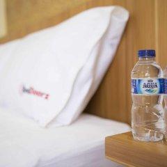 Отель RedDoorz @ Melati Kartika Plaza 2* Стандартный номер с различными типами кроватей фото 3