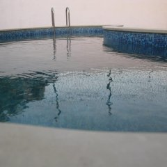 Hotel Oasis бассейн