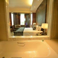 Peninsula Excelsior Hotel 4* Улучшенный номер с различными типами кроватей фото 8