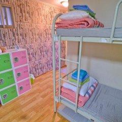 Отель Kimchee Hongdae Guesthouse Стандартный номер с различными типами кроватей фото 5