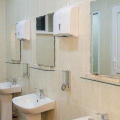 Отель Караван Кыргызстан, Каракол - отзывы, цены и фото номеров - забронировать отель Караван онлайн ванная
