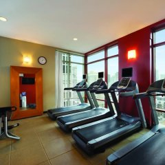 Отель Hilton Suites Chicago/Magnificent Mile фитнесс-зал фото 2