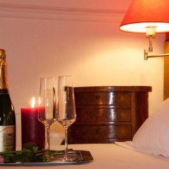 Отель Hôtel Eden Montmartre 3* Улучшенный номер с двуспальной кроватью фото 2