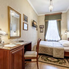 Мини-Отель Серебряный век Улучшенный номер с двуспальной кроватью фото 18