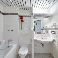 Отель Balance Hotel Leipzig Alte Messe Германия, Ройдниц-Торнберг - 1 отзыв об отеле, цены и фото номеров - забронировать отель Balance Hotel Leipzig Alte Messe онлайн ванная фото 2