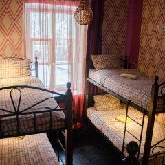 Хостел Trinity & Tours Кровать в общем номере с двухъярусной кроватью фото 25