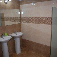 Отель House Maya Боженци ванная