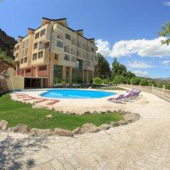 Отель Арзни бассейн фото 3
