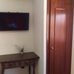 Отель Hostal San Roque Стандартный номер с различными типами кроватей фото 9