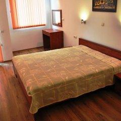 Апартаменты Tomi Family Apartments Солнечный берег комната для гостей фото 3