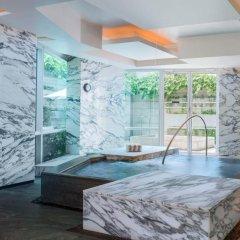 Отель The St. Regis Singapore 5* Номер Делюкс с различными типами кроватей фото 6