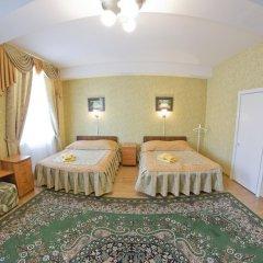 Гостиница У Фонтана Номер Делюкс с 2 отдельными кроватями фото 4