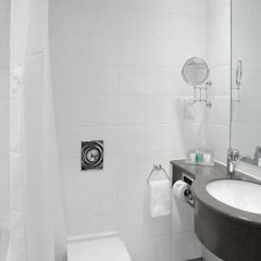 Отель Holiday Inn London Kensington Forum ванная