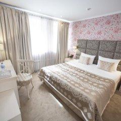 Гостиница Де Пари 4* Улучшенный номер с двуспальной кроватью