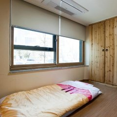 Отель Myeongdong ECO House 2* Стандартный номер с 2 отдельными кроватями фото 25