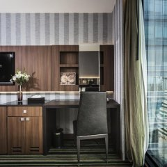 Отель The Continent Bangkok by Compass Hospitality 4* Стандартный номер с различными типами кроватей фото 33
