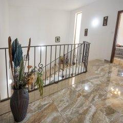 Отель South Olives интерьер отеля